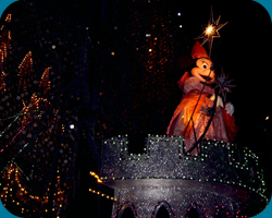 13th Float: Finale: Minnie`s Castle