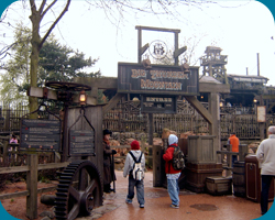 Ingang van de Big Thunder Moutain.