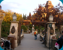 Ingang Phantom Manor.